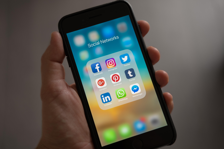 emprego x social media